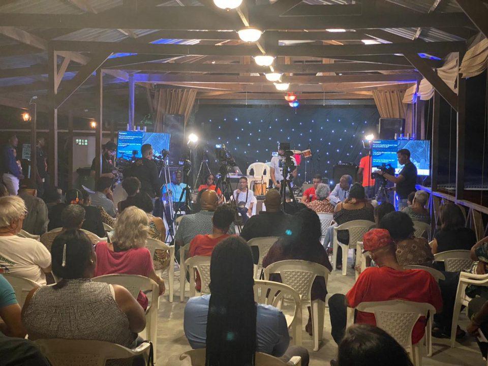 Magazina di Rey tabata completamente yen ayera nochi cu presentacion di Bonaire Youth Outreach Found